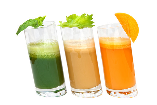 Juicing Fruits and vegetables with Juicer